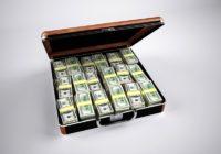 peníze kufr